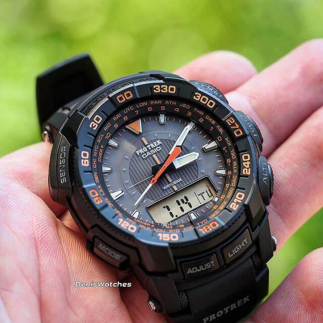 こだわりのアナログ登山時計