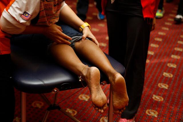 肉離れからの回復や筋肉痛解消のためのふくらはぎサポーター