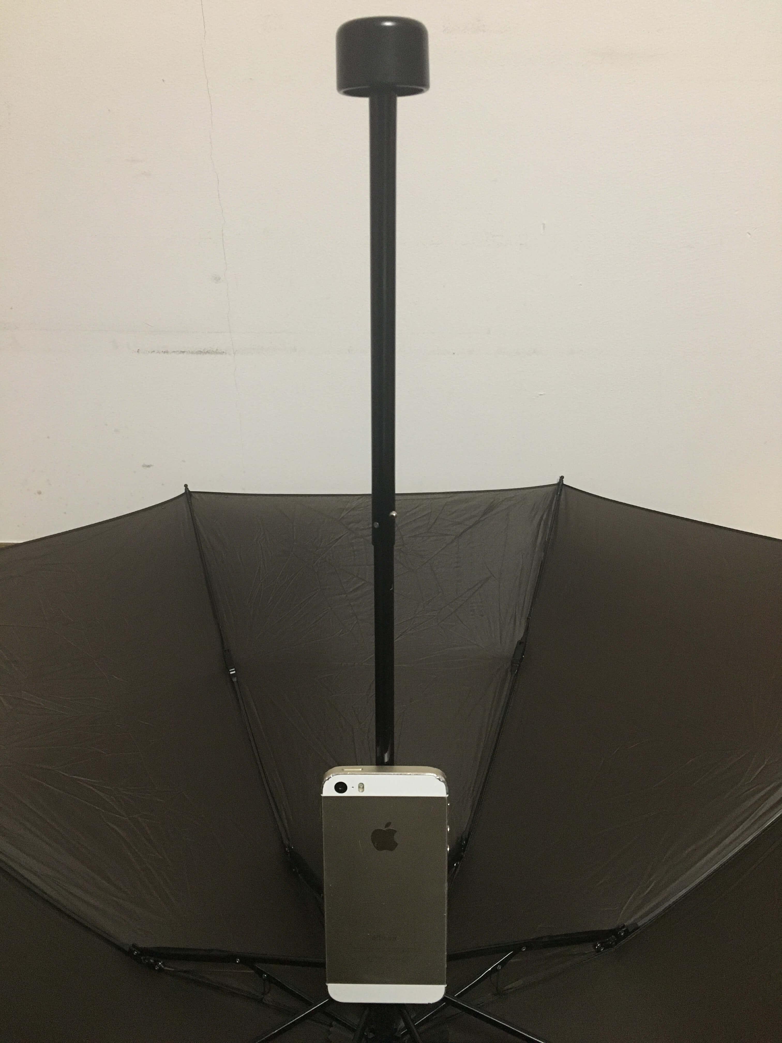 軽量のアウトドア用傘|モンベルU.L.トレッキングアンブレラの柄の長さ