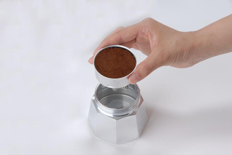 マキネッタを使ったコーヒーの入れ方②