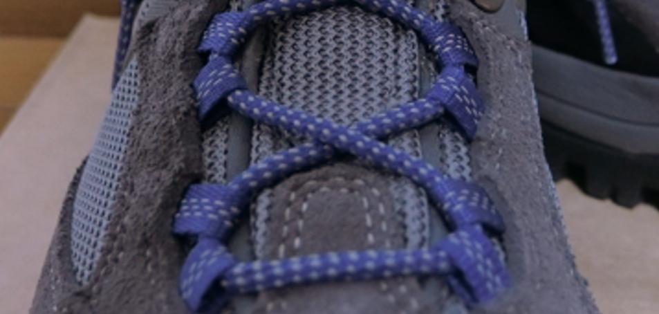 モンベル登山靴のイージーフィットシステム