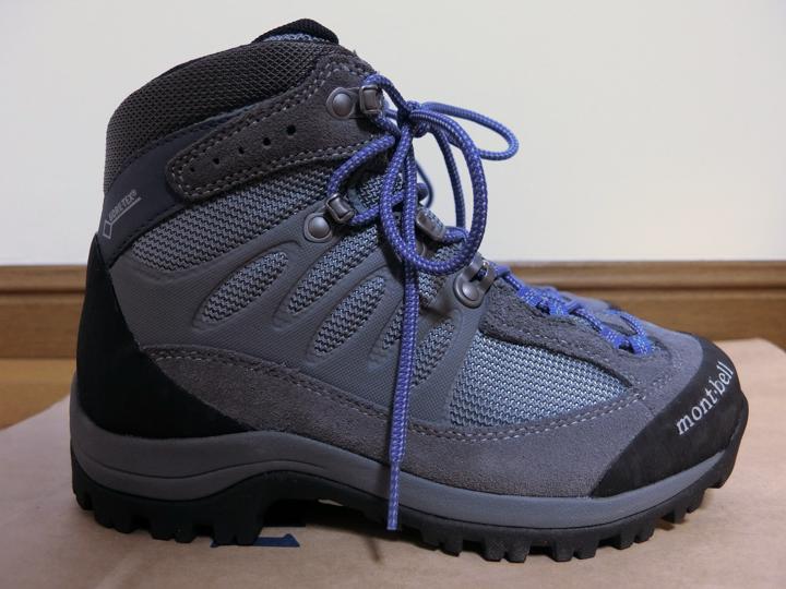 モンベル登山靴は日本人向けの型